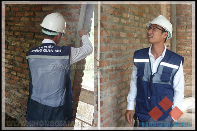 Giám sát viên - công ty Không Gian Mở đang thi công tại công trình biệt thự Đại Lải cao cấp Flamingo